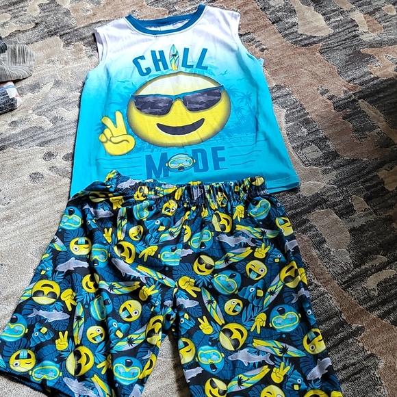 Children's Place set chill mode sunglasses emoji